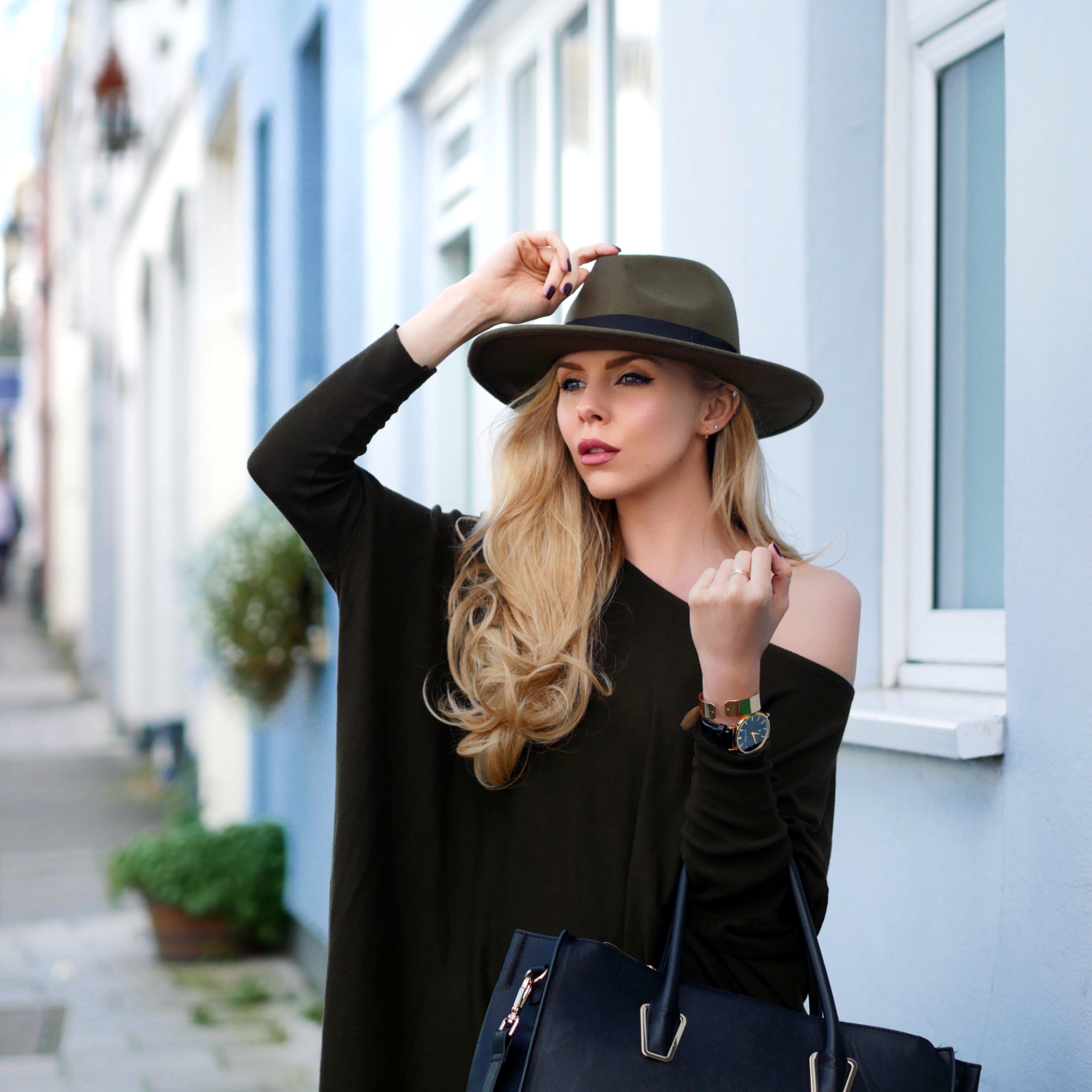 Uk blogger british blogger autumn style military fashion street style ootd laura blair Girl fashion style london