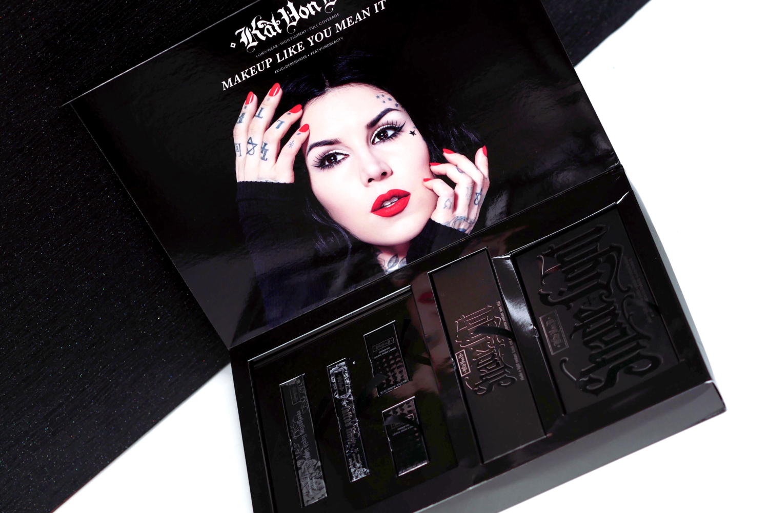 kat von d, eyeliner, beauty products, makeup, london fashion girl, laura blair