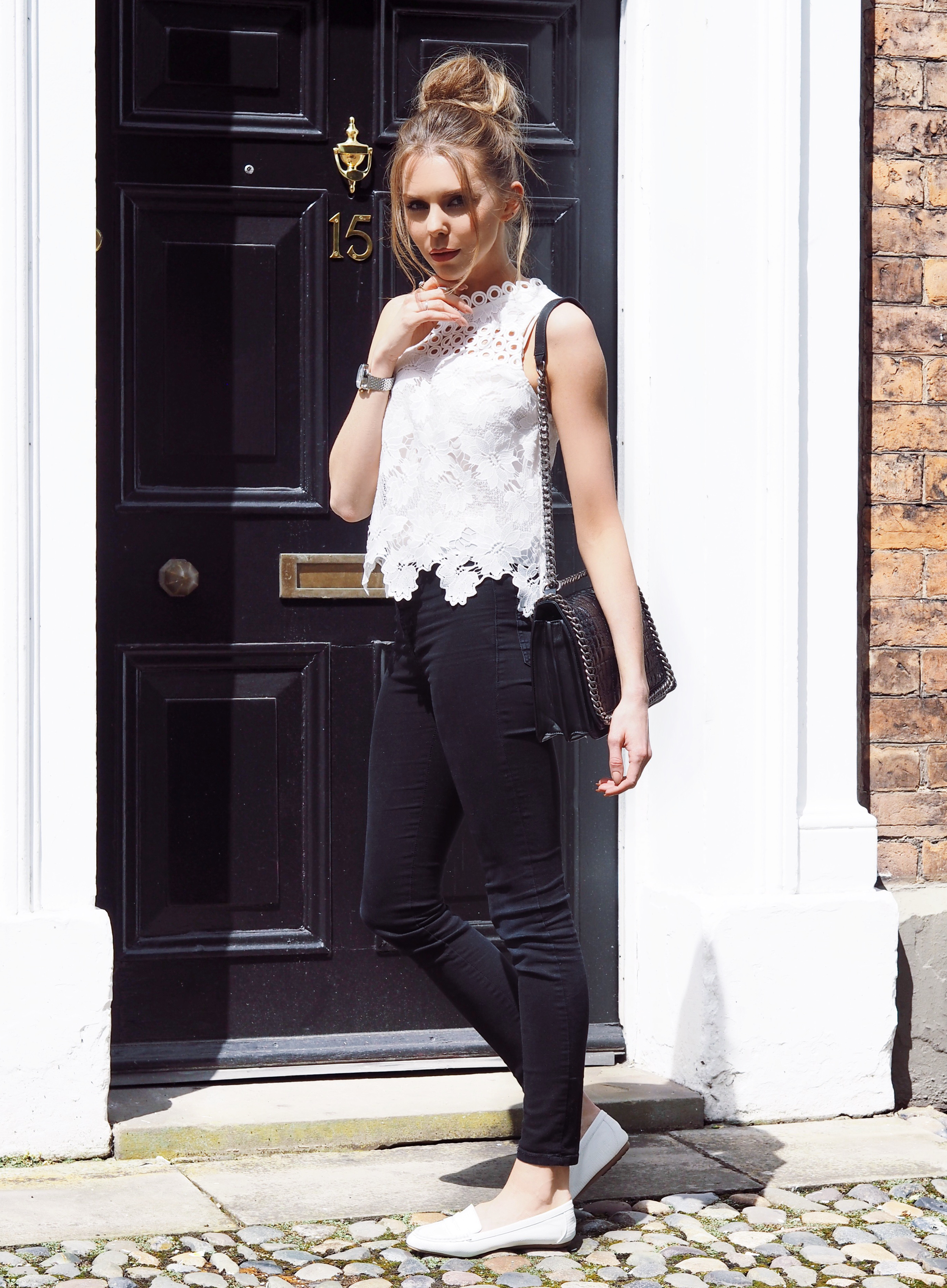 MONOCHROME STYLE FASHION BLACK AND WHITE LAURA BLAIR LONDON FASHION GIRL LAURA BLAIR