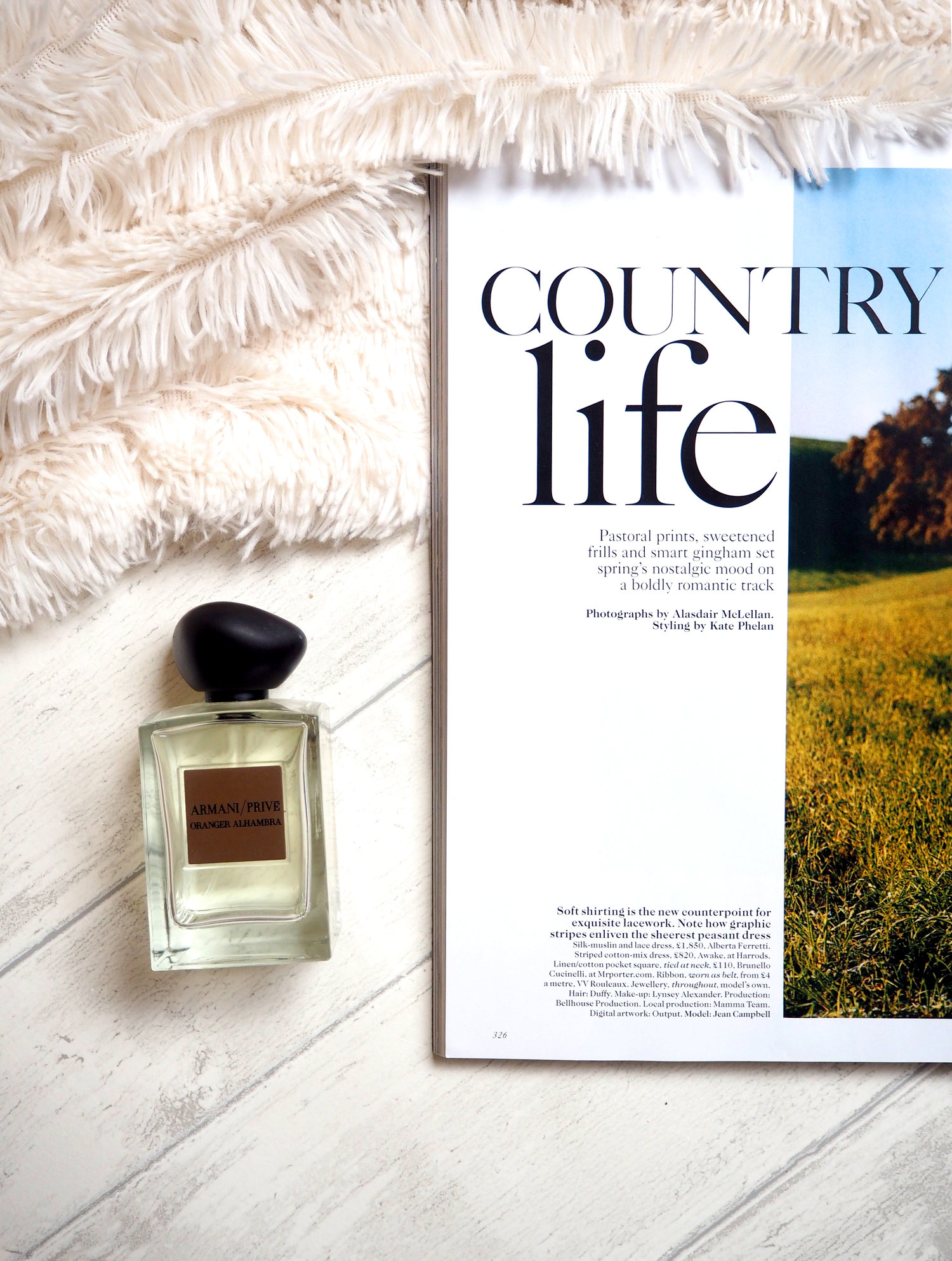 CONTRY RETREAT BEAUTY ESSENTIALS, WHAT TO PACK TO THE COUNTRYSIDE, BEAUTY, LAURA BLAIR, LONDON FASHION GIRL