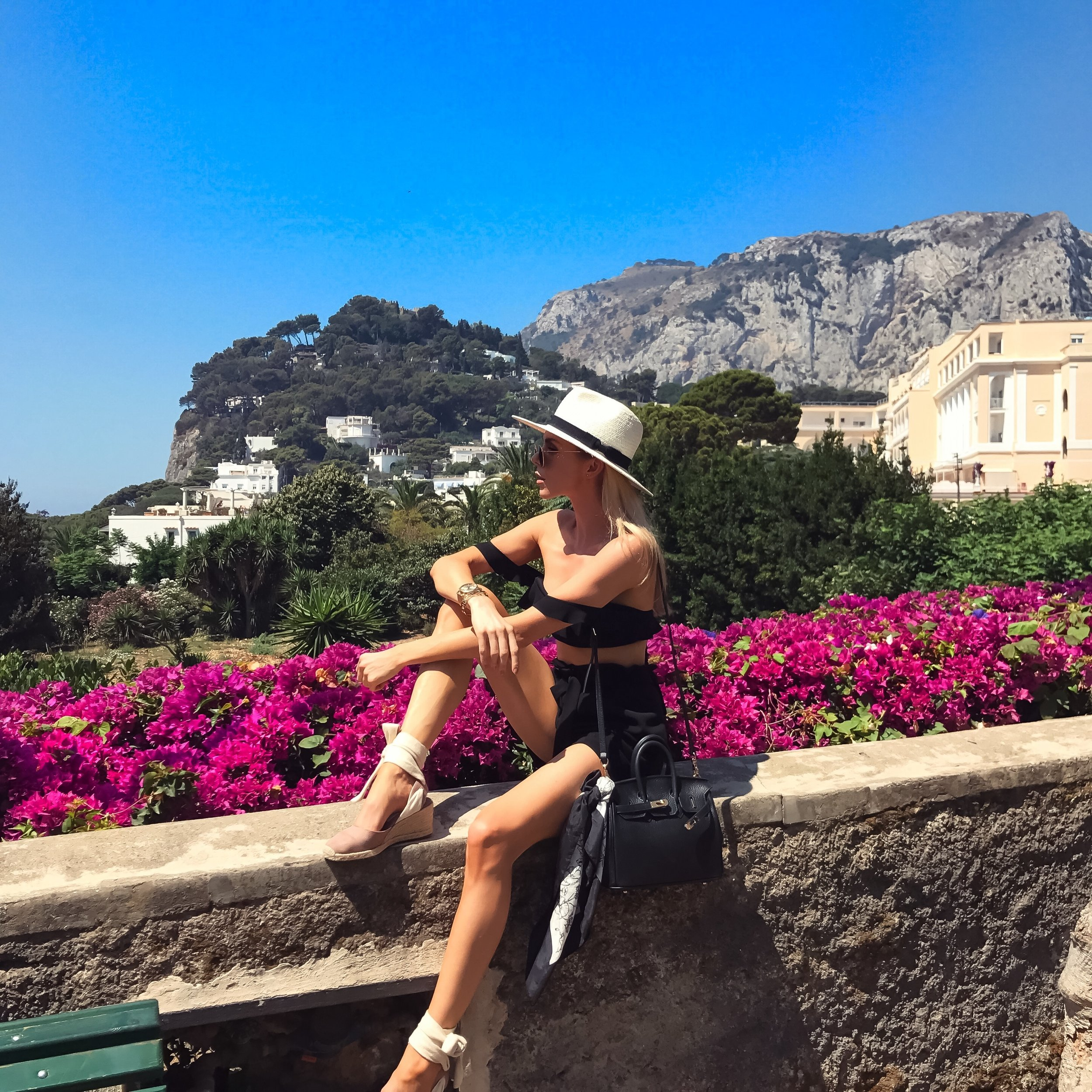SORRENTO, GUIDE TO SORRENTO, WHAT TO DO IN SORRENTO, TRAVEL GUIDE, AMALFI COAST, TRAVEL BLOGGER, ITALIAN FASHION, WHAT TO WEAR IN SORRENTO