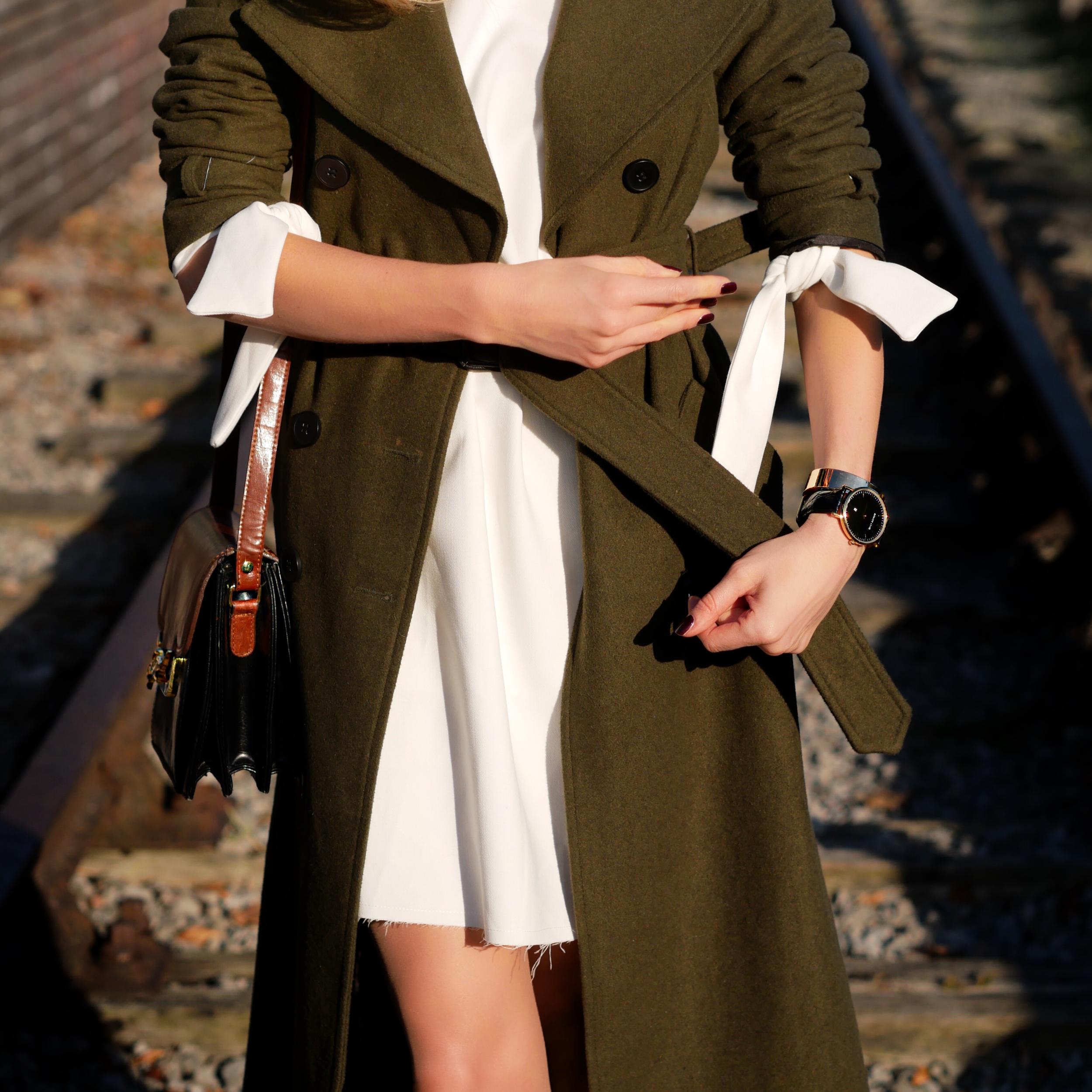 autumn fashion. shearling coat, coats and jackets for winter, streetstyle, london fashion girl, laura blair, uk blogger youtuber