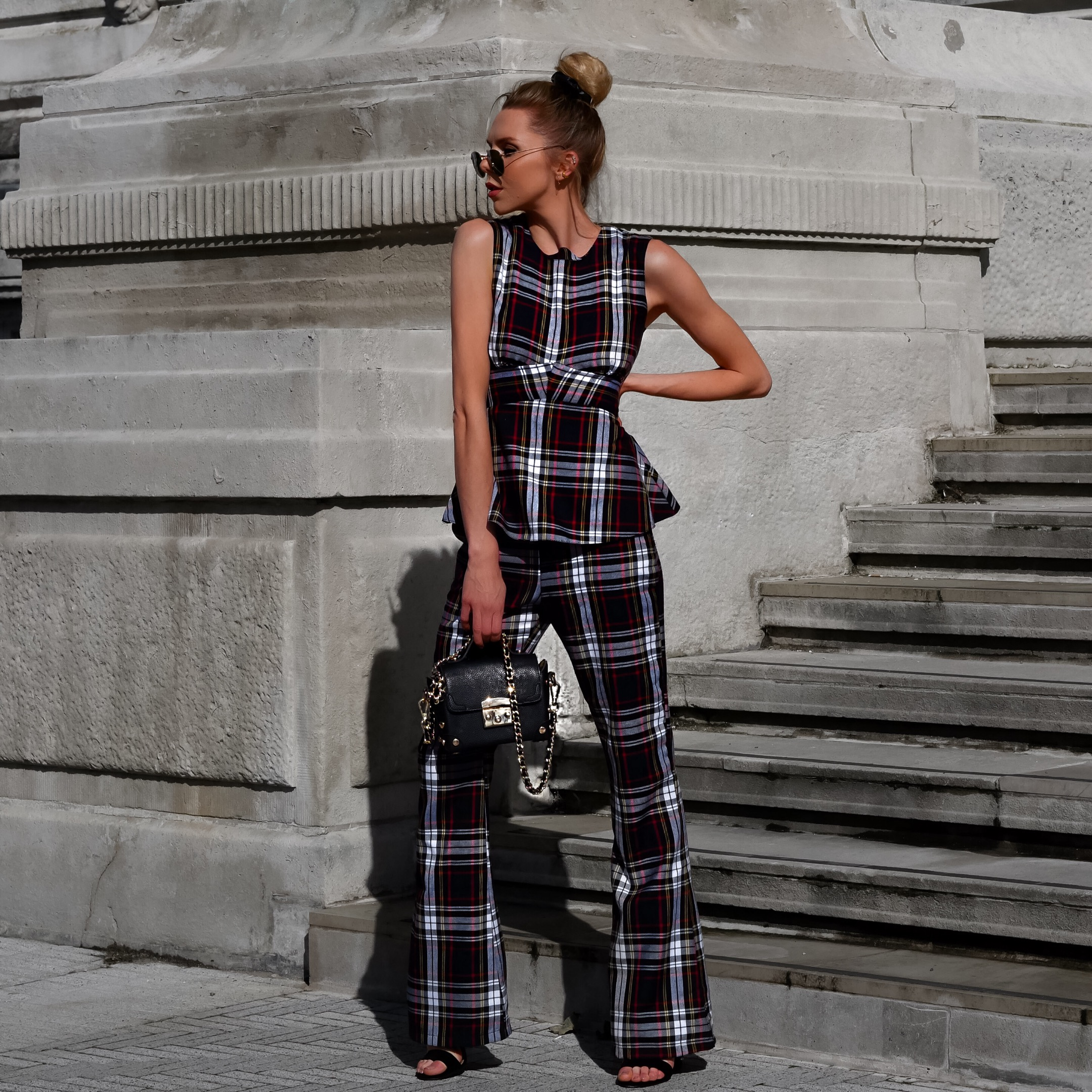MILAN, MILAN FASHION WEEK, MFW 2107,MFW, MILAN FASHION WEEK 2017, MFW SS18, SS18, UK FASHION BLOGGER, FASHION BLOGGER ENGLAND, LAURA BLAIR, WHAT TO DO IN MILAN, WHAT TO WEAR IN MILAN, WHERE TO STAY IN MILAN, HOTEL MIILAN
