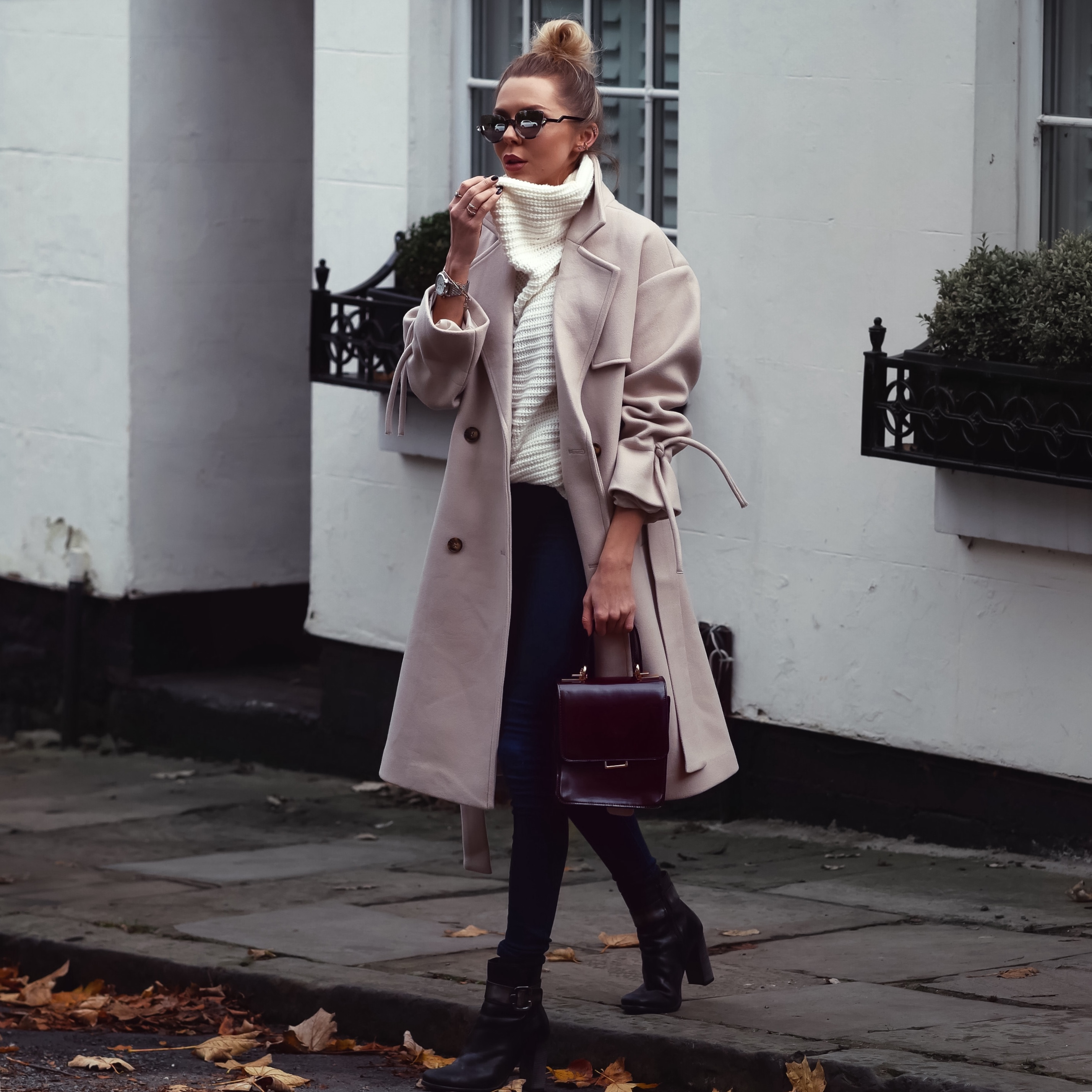 OVERSIZED COATS, AUTUMMN FASHION, WINTER COATS WOMEN, FALL FASHION, CHI CHI LONDON, LAURA BLAIR, LONDON FASHION GIRL