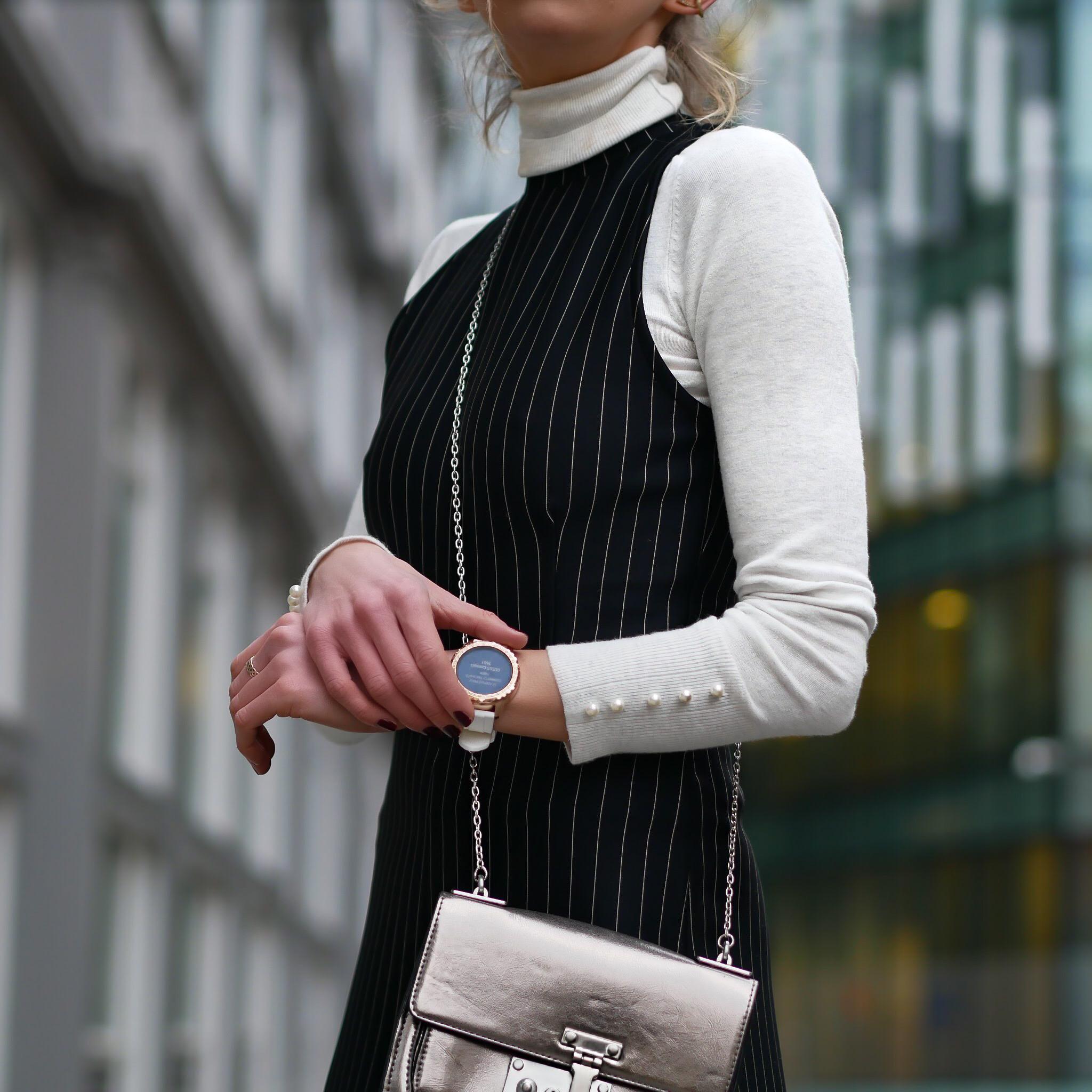Laura Blair, London fashion girl, the bachelor winter games, culottes, fashion, style, jumpsuit, pinstripe jumpsuit, officewear, smart casual, boohoo, uk, blogger uk