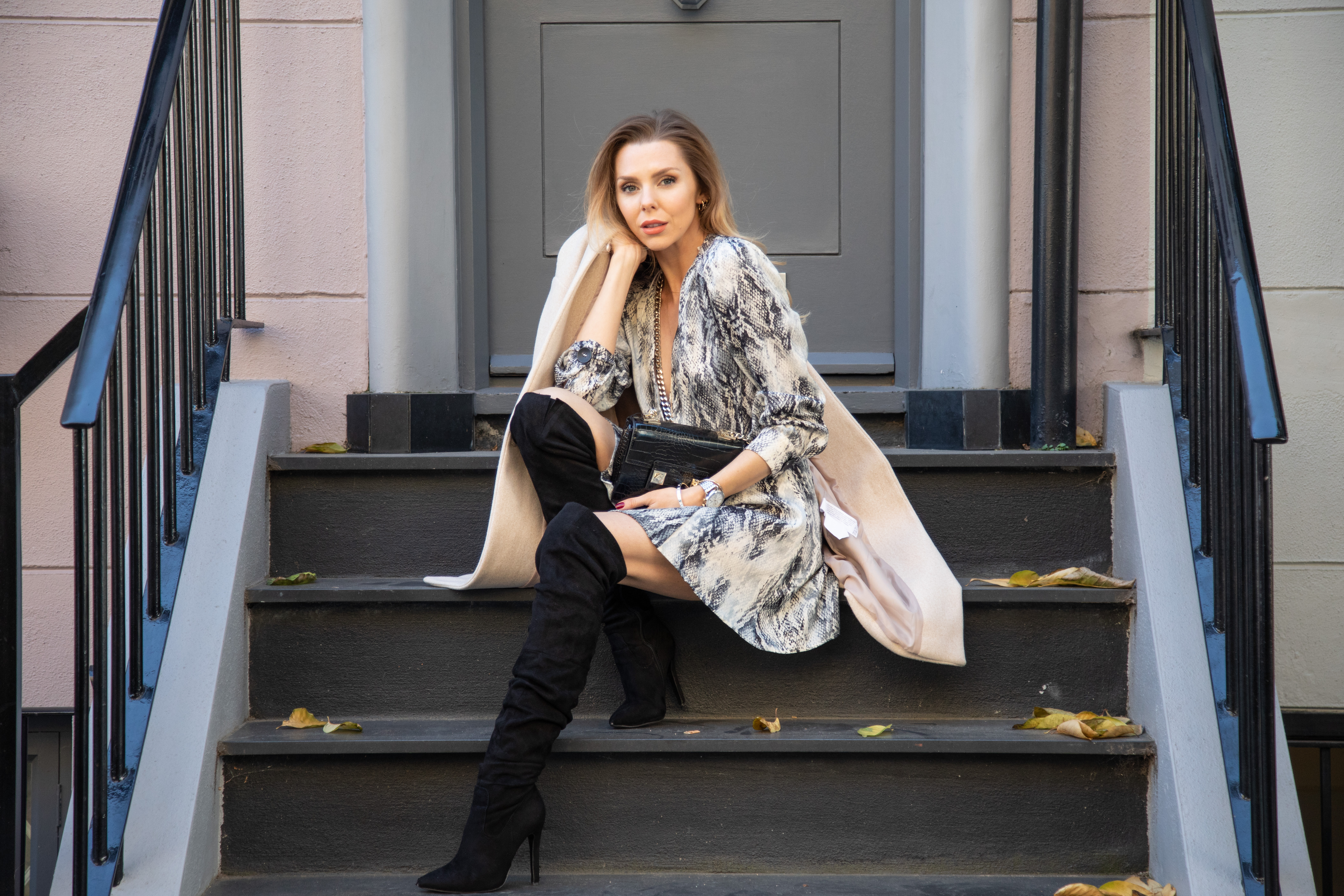 snake print, zara, autumn fashion, how to wear snake print, coats, winter boots, fashion, london fashion girl, british blogger, uk blogger, laura blair