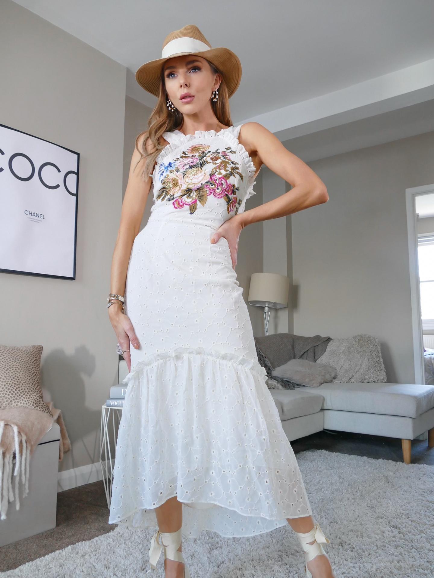 falke, tights, legs, hosiery, stockings, summer dress, floral dress, laura blair
