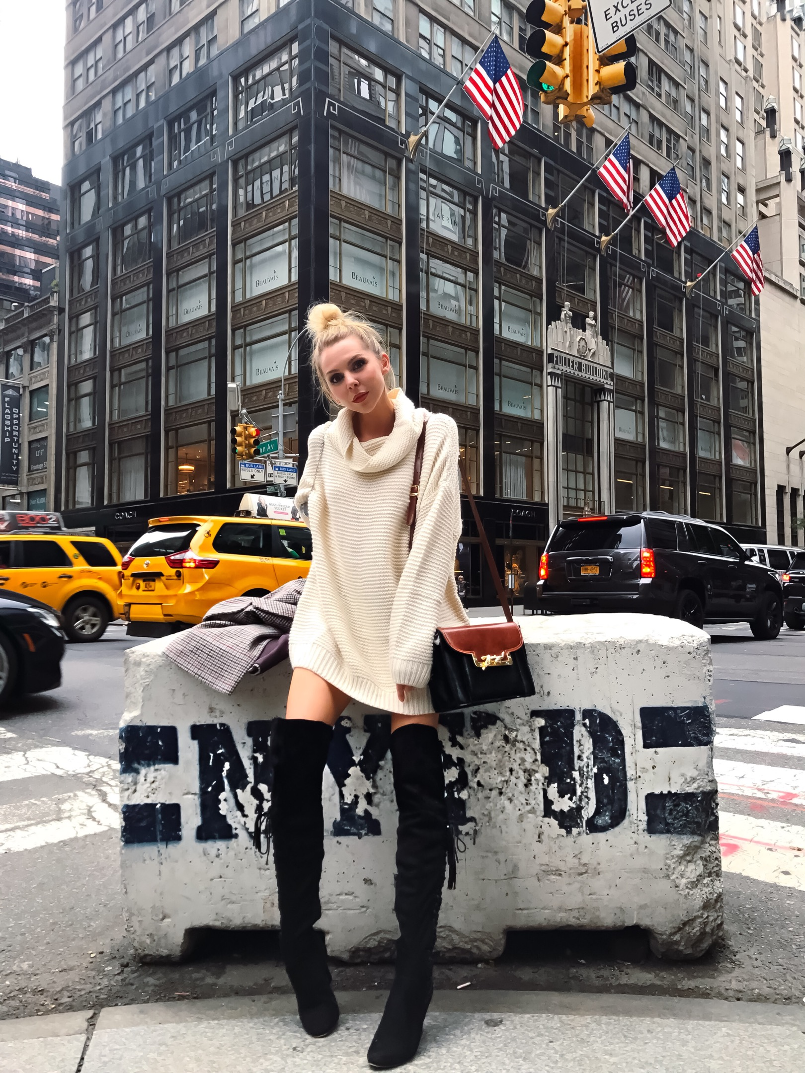 A GUIDE TO NEW YORK CITY – Laura Blair