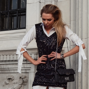 Wallis, Wallis fashion, petite clothes, office to evening, desk to dinner, what to wear to work over christmas, christmas clothes, partywear, festive wear, occassionwear, party outfit ideas, fashion, style, uk blogger, laura blair, london fashion girl