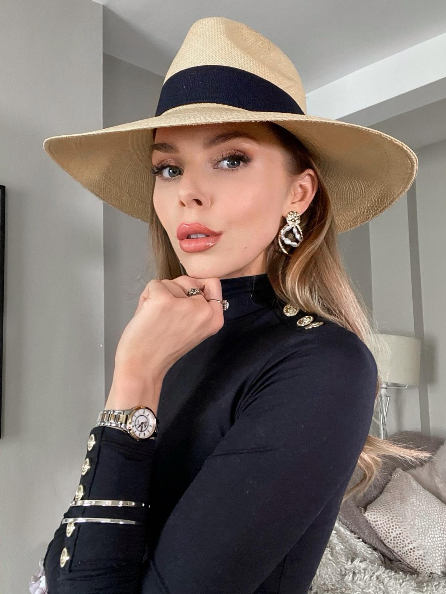 laura blair, holland cooper, fashion blogger uk